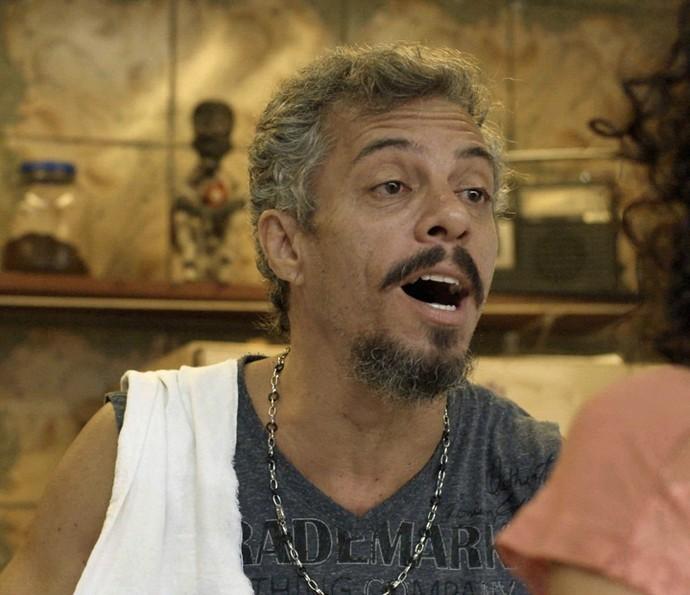 Juca tenta rebater Domingas (Foto: TV Globo)