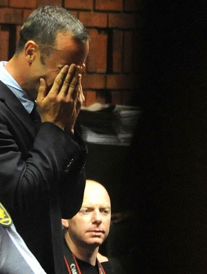 Oscar Pistorius delegacia (Foto: AP)