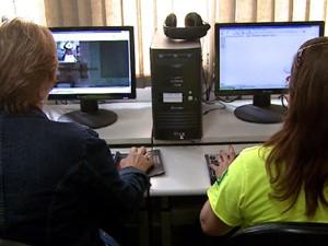 Alunos têm blogs individuais e colaboram em conteúdo coletivo (Foto: Reprodução/EPTV)