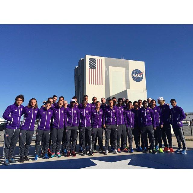 Jogadores do Orlando City no centro espacial