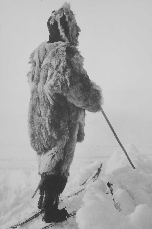 One of explorer Roald Amundsen's favourite portraits of himself, which appeared in his published account The South Pole, photographed near Bunnefjorden, Norway, March 1909, by Anders Beer Wilse. The image is reproduced in the catalogue that accompanies th (Foto: HORST P HORST)