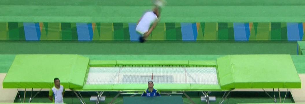 Atletas desafiam a gravidade no evento-teste de Ginástica de Trampolim