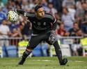Real Madrid anuncia que o goleiro Keylor Navas passará por cirurgia