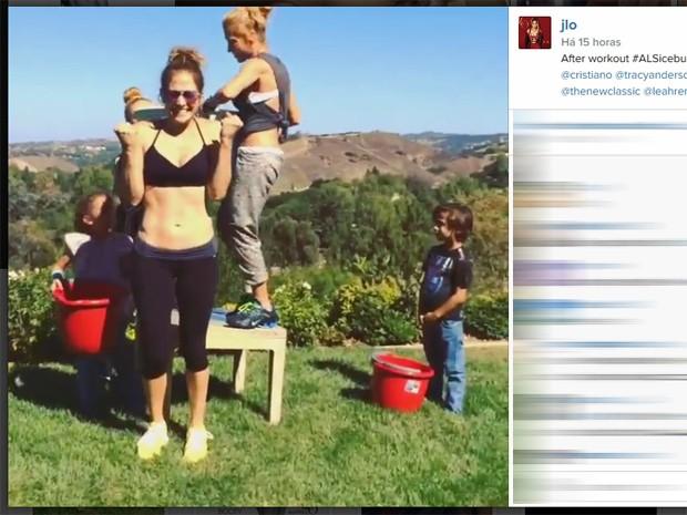 Jennifer Lopez participa do desafio do balde de gelo (Foto: Reprodução/Instagram)