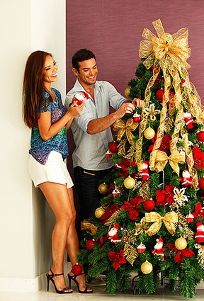 [Galeria Natal] Sidney Sampaio e Carol Nakamura (Foto: Marcos Serra Lima/EGO)