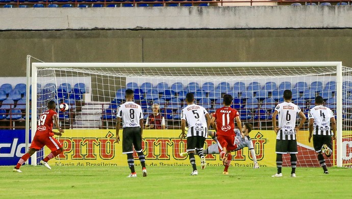 CRB x ASA, no Rei Pelé Gol de Elias (Foto: Ailton Cruz / Gazeta de Alagoas)