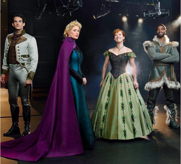 O elenco da versão musical de Frozen para a Broadway (Foto: Instagram)