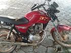 Jovens de 15 e 17 anos são detidos por furto de moto em Cerqueira César