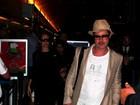Brad Pitt aparece com blusa desenhada pela filha, diz site