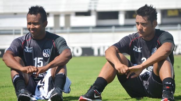 Chiquinho e Wellington Bruno, em treino da Ponte Preta (Foto: Murilo Borges / Globoesporte.com)