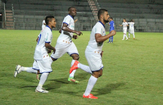 Nacional gol contra o Penarol (Foto: Marcos Dantas)