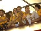 Ricardo Waddington leva nova namorada, Tila Teixeira, à Sapucaí