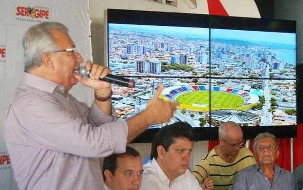 Carivaldo pede ajuda ao governador sobre os estádios do Sergipe e Confiança (Foto: Wellington Barreto/ASN)