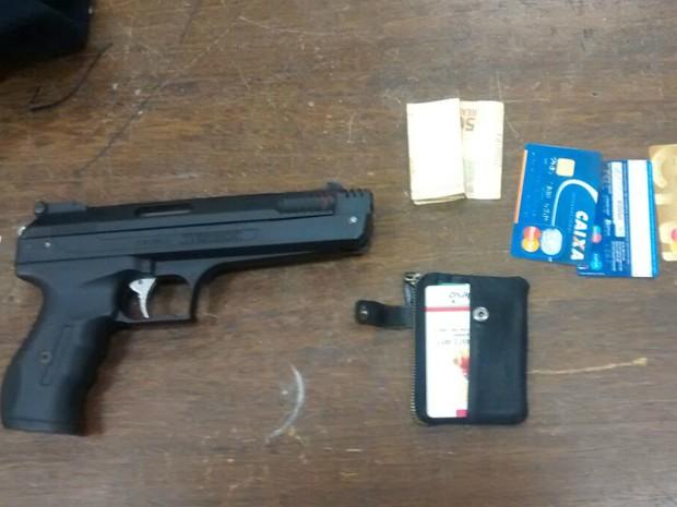 Arma usada em tentativa de assalto em Jundiaí era falsa (Foto: Guarda Municipal de Cabreúva/Divulgação)