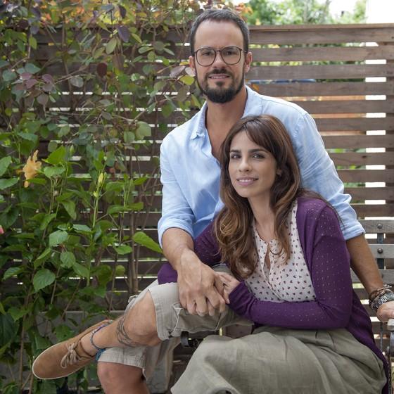 Paulo Vilhena e Maria Ribeiro protagonizam a produção que estreia em agosto nos cinemas de todo país (Foto: Divulgação)