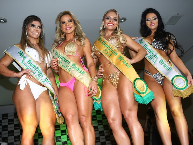 Vivian Cristinelli, Ana Flávia Magalhães, Indianara Carvalho e Claudia Alende no Miss Bumbum 2014 (Foto: Iwi Onodera/ EGO)