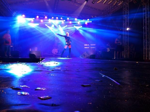Apresentações e performances ocorreram na Beira-Mar de São José (Foto: Prefeitura de São José/Divulgação)