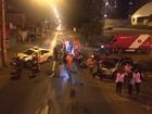 Batida entre carros danifica poste e deixa motorista ferido no DF