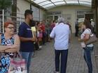 Fila para agendar consultas no Ceme incomoda pacientes em São Carlos
