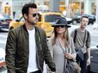 Jennifer Aniston adia casamento e está morando separada do noivo