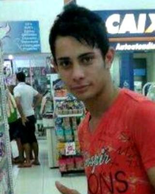 Claudio foi morto durante tentativa de assalto me drogaria  (Foto: Reprodução/Facebook)