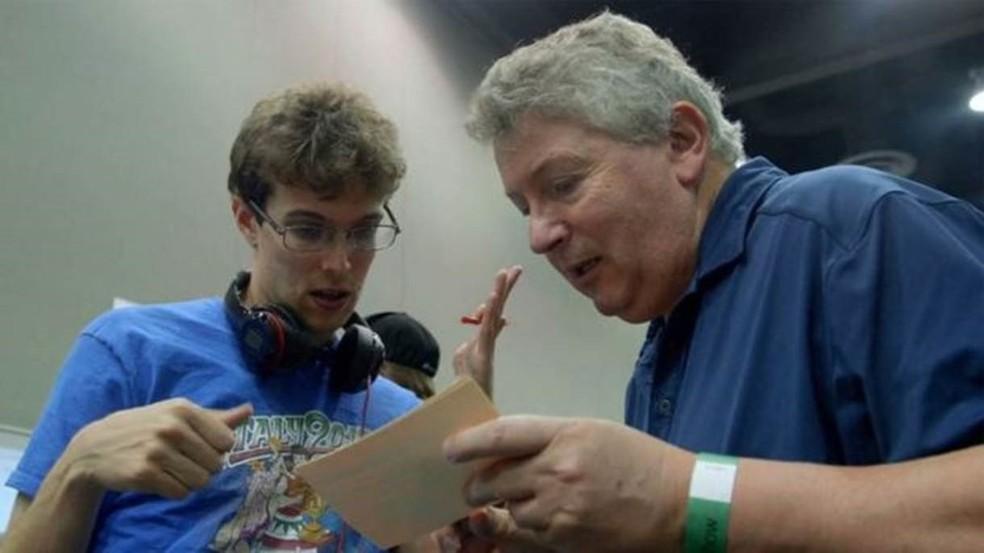 Maurizio é uma espécie de técnico do filho (Foto: Wizard Mode)