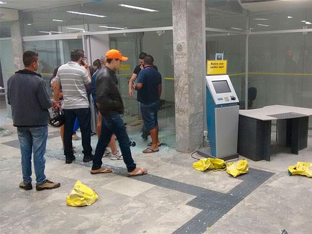 Banco em Seabra (Foto: Site Bahia10)