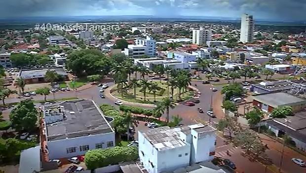 Rotatória onde nasceu Tangará é destaque na TVCA (Foto: Reprodução/TVCA)