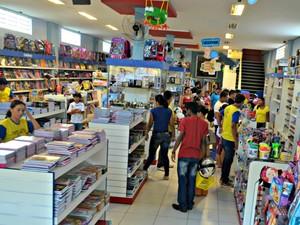 Pais correm contra o tempo para garantir material escolar de filhos no interior do AC  (Foto: Adelcimar Carvalho/G1)