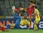 Dos 40 aos 50: Romênia abre placar, cede empate, perde pênalti e tropeça
