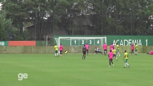 Palmeiras testa 4-1-4-1 em primeiro jogo-treino, e Keno marca dois gols