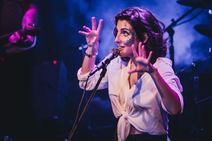 Clarice Falcão abriu a passagem de som de seu novo show, Problema Meu (Foto: Alice Venturi/Divulgação)