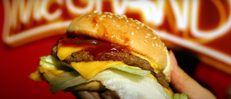Frame de vídeo sobre o hambúrguer perfeito (Foto: Reprodução/Youtube)