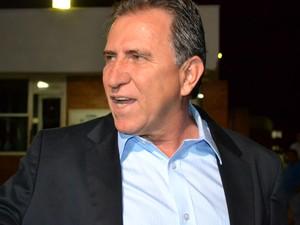Edson Giroto (PP) chegada para debate do 2º turno na TV Morena (Foto: Leandro Abreu/G1MS)