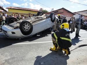 Bombeiros foram acionado para o local do acidente em Teresina (Foto  Gil  Oliveira  231a34ba98e65
