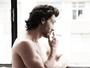 Marcelo Schmidt, de 'Amor à vida', deixa timidez de lado e posa nu