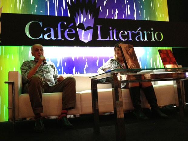 Zuenir Ventura participa do Café Literário na Bienal do Livro (Foto: Isabela Marinho/G1)
