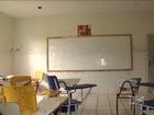 Alunos retornam as aulas e encontram escola em péssimo estado