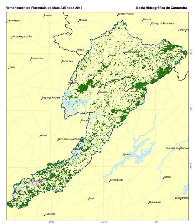 O mapa feito pela SOS Mata Atlântica mostra em verde o que sobrou de cobertura florestal na área da bacia do Sistema Cantareira (Foto: Divulgação)