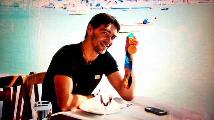 Giba voltou à Atenas para relembrar a medalha de ouro (Foto: Reprodução TV Globo)