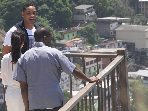 Kim Kardashian, Kanye West e Will Smith subiram a favela do Vidigal neste domingo (10) (Foto: XANDE NOLASCO/ESTADÃO CONTEÚDO)