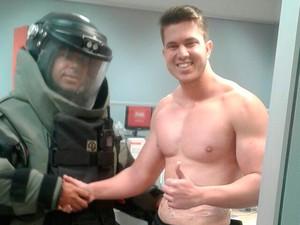 Policiais do Bope desarmaram explosivo que estava preso a bancário em Barreiras, na Bahia (Foto: Polícia Militar / Divulgação)