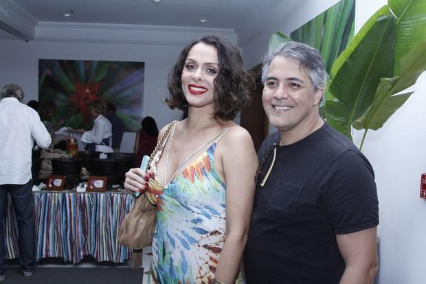 Vanessa Machado com o marido, Carlos Eduardo Carmona (Foto: Vera Donato / Divulgação)