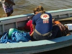 Após o parto, jovem foi atendida pela equipe do Samu (Foto: Divulgação/Samu)