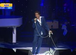 Roberto Carlos embala corações e emoções em show em Porto Alegre
