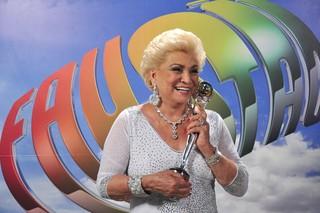 Hebe Camargo recebe Troféu Mario Lago no Domingão do Faustão em 2010 (Foto: Estevam Avellar / Globo )