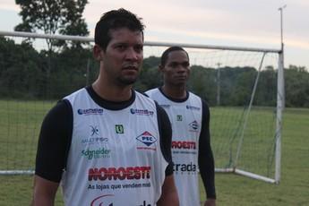 Raphael Freitas e Fabiano Enxuga Rato (Foto: Renan Morais/GLOBOESPORTE.COM)