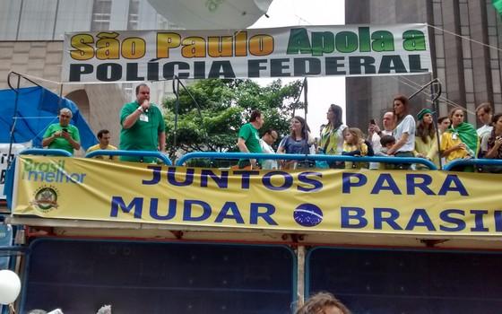 Manifestantes em São Paulo defenderam a autonomia da Polícia Federal  (Foto: Marcos Coronato/ÉPOCA)
