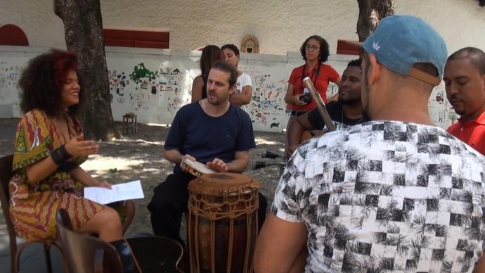 Equipe do 'Aprovado' mostra os bastidores da gravação do especial do samba (Foto: TV Bahia)