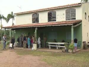 Prefeitura flagra asilo clandestino em Jambeiro, SP (Foto: Reprodução/TV Vanguarda)